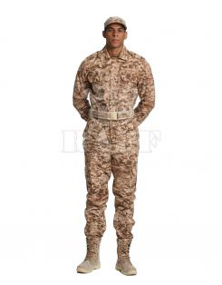 Military Clothing / 1006